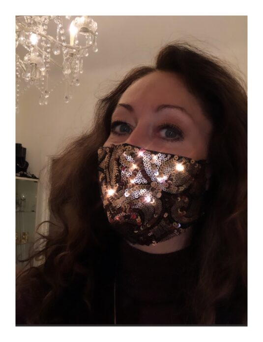 Glittrande munskydd
